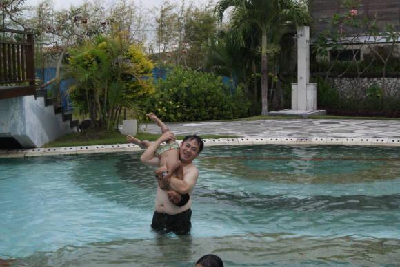 バリ島のビラのプール