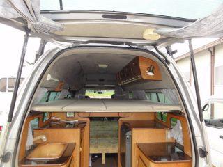 キャンピングカーの2段ベッド