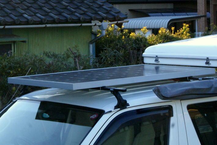 キャンピングカーのソーラーパネル