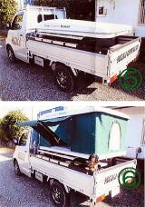トラックにルーフテント