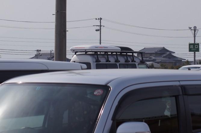 キャラバン キャンピングカー