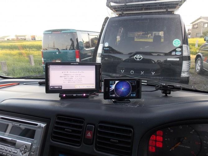 ナビとレーダー探知機